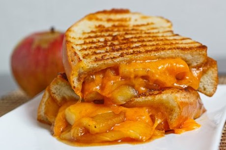 Caramelized Apple Grilled Cheese Sandwich 1 500